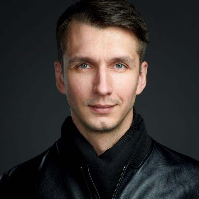 Пётр Савинов